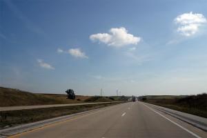 筆直的高速公路
